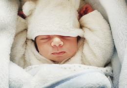 Faut il stériliser les biberons et tétines de bébé?